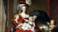 Maria Antonieta y sus hijos, en un retrato de Louise Elisabeth Vigee-Lebrun.