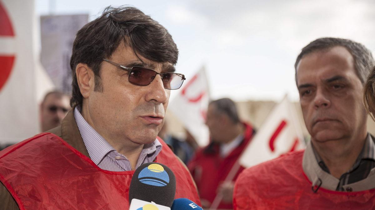 El ex secretario general de la Federación de Trabajadores de Seguridad Privada de USO, Antonio Duarte (i). (Foto: EFE)