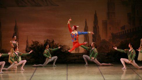 El Lago de los Cisnes de el Ballet Nacional Ruso.