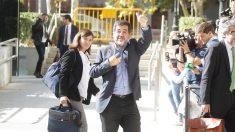 Jordi Sánchez a la salida de la Audiencia Nacional. (Foto: Francisco Toledo)