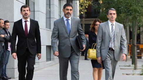Josep Lluís Trapero a su llegada a la Audiencia Nacional. (Foto: EFE)