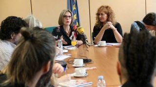 La eurodiputada Beatriz Becerra y la soprano Pilar Jurado, durante la presentación de MadwomenEurope.