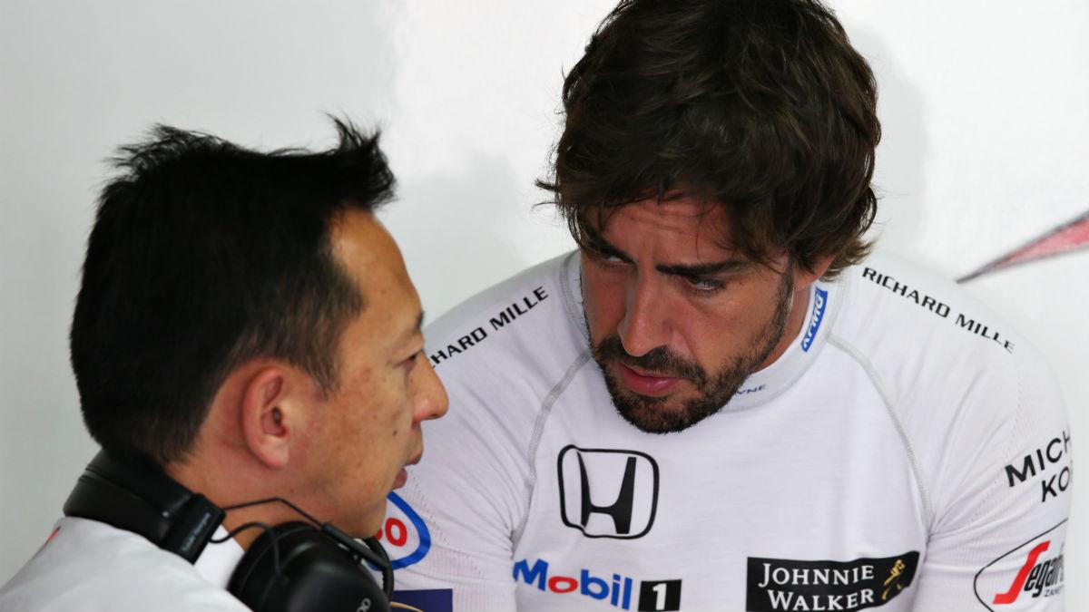 Yusuke Hasegawa ha reconocido que en Honda se sienten avergonzados de no haberle podido proporcionar a Fernando Alonso un buen motor durante estos años. (Getty)