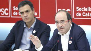 El secretario general del PSOE, Pedro Sánchez (i), y el primer secretario del PSC, Miquel Iceta (i). (EFE)