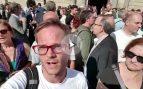 La escolta de Puigdemont y Colau impide trabajar a los periodistas de OKDIARIO: único medio al que identifican