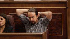 Pablo Iglesias en su escaño en el Congreso de los Diputados. (Foto: Francisco Toledo)