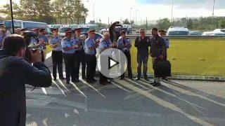 El Jefe de los Mossos es apaludido a su llegada a la sede central en Sabadell