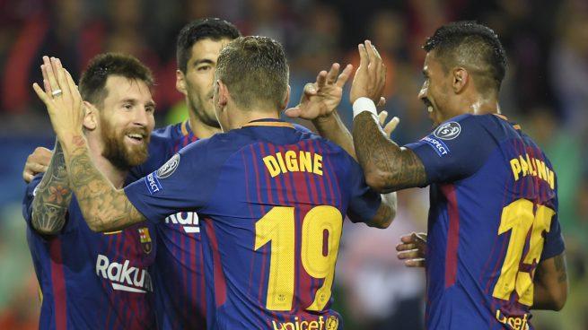 Varios jugadores del Barcelona, celebrando uno de los goles (AFP).