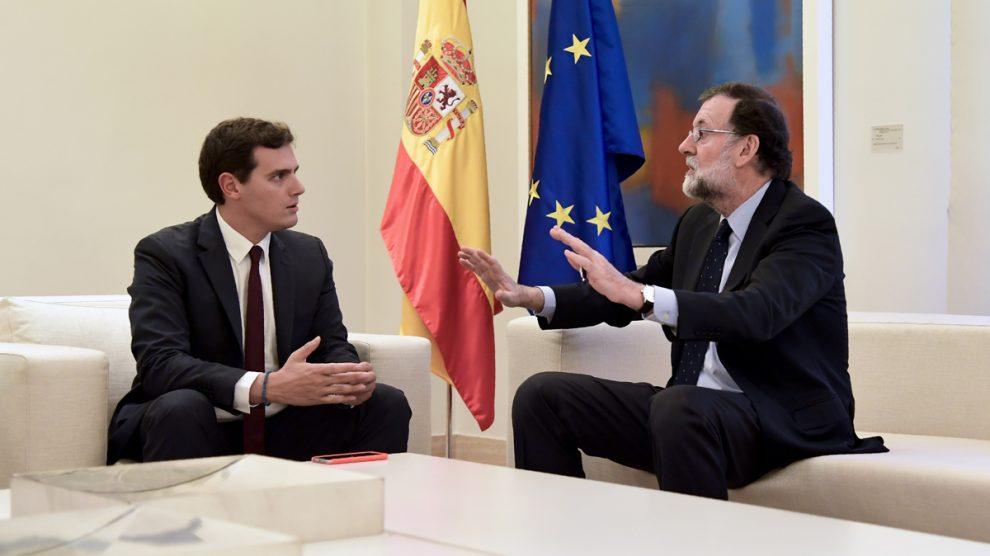 Albert Rivera y Mariano Rajoy en el Palacio de La Moncloa. (Foto: AFP)