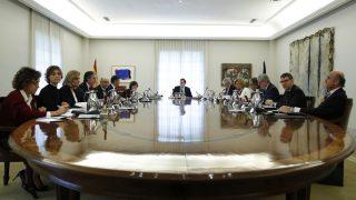 Mariano Rajoy al frente del Consejo de Ministros. (Foto: EFE)