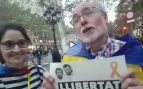 """Los 'pacíficos' a favor de 'los Jordis' increpan a OKDIARIO: """"No sois periodistas, dais mucha pena"""""""