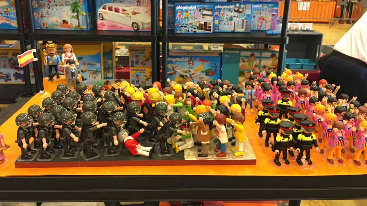 Los 'playmobil' utilizados para el adoctrinamiento independentista en Alcarrás (Lérida).