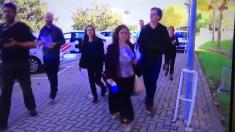 Periodistas extranjeros llegando a los estudios de TV3.