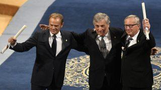 Tusk, Tajani y Juncker, presidentes de las instituciones europeas, agradecen el Princesa de Asturias de la Concordia. (AFP)