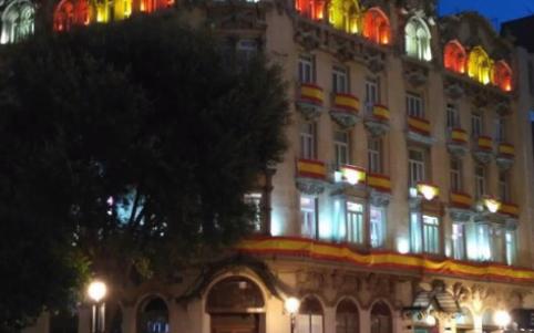Los lectores de OKDIARIO envían las mejores fotos de las banderas de España en balcones y fachadas