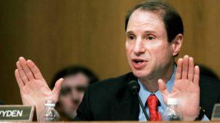 El Senador norteamericano Ron Weyden