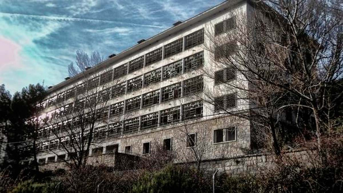 El psiquiátrico de Navacerrada es uno de esos lugares perfectos para pasar la noche de Halloween.