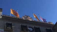Ayuntamiento de Gerona sin la bandera de España