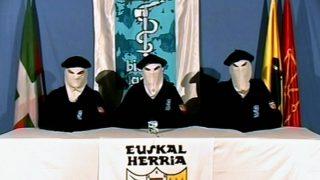 Tres miembros de ETA en uno de sus comunicados en vídeo.
