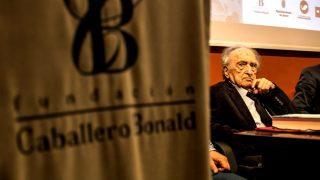 Rafael Sánchez Ferlosio tras recibir el premio (Foto: Efe).