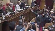Carles Puigdemont vota por la independencia en el Parlament de Cataluña.