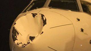 El avión de los Thunder tuvo que pasar por el taller mecánico.