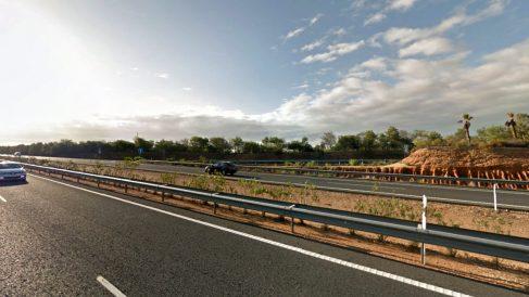 Carretera A-49 entre Sevilla y Huelva, a la altura del km 122.