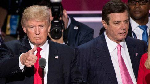 Paul Manafort, ex jefe de campaña de Donald Trump, junto al presidente.