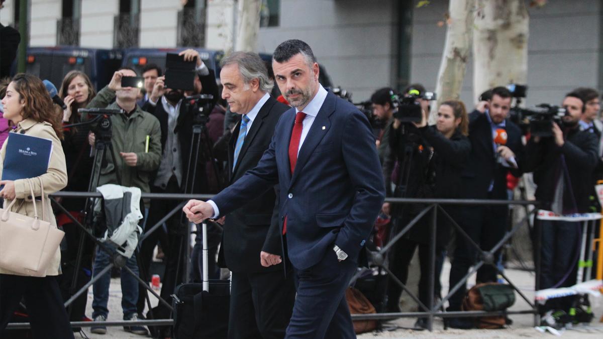 Santi Vila a su llegada a la Audiencia Nacional. (Foto: Francisco Toledo)