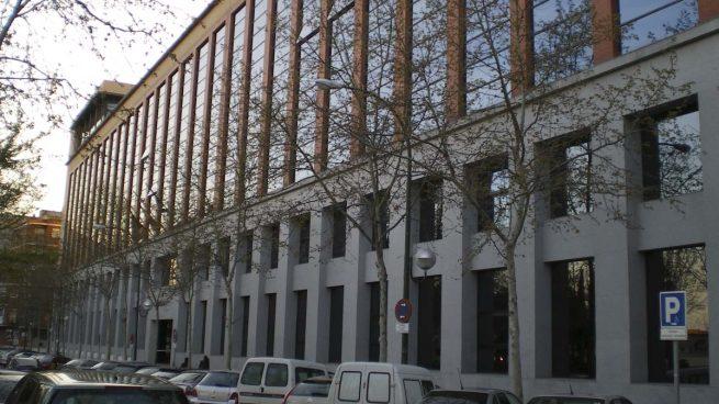 El juez autoriza el traslado de Villarejo a un hospital tras ser examinado por el médico de guardia