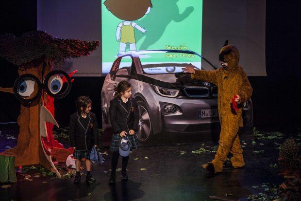 La pesentación de la obra sobre sostenibilidad y conducción ecológica de Blanca Marsillach en colaboración con BMW. Foto: Mateo Liébana