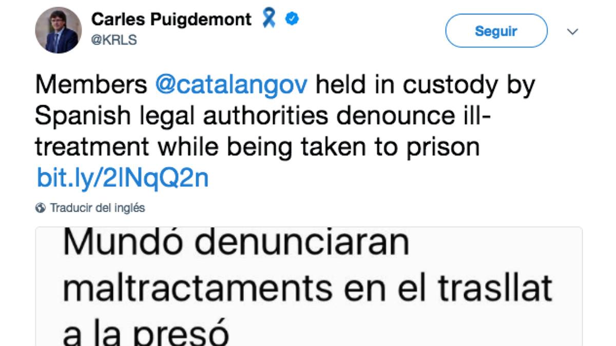 Tuit de Carles Puigdemont denunciando un supuesto maltrato a sus ex consellers en el traslado a prisión.