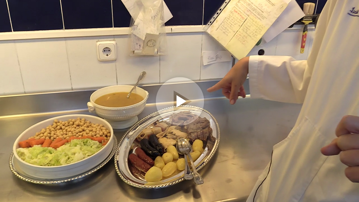 El cocido madrileño y la corona de la Almudena, el menú perfecto para el día de la Almudena realizado por el catering Isabel Maestre.