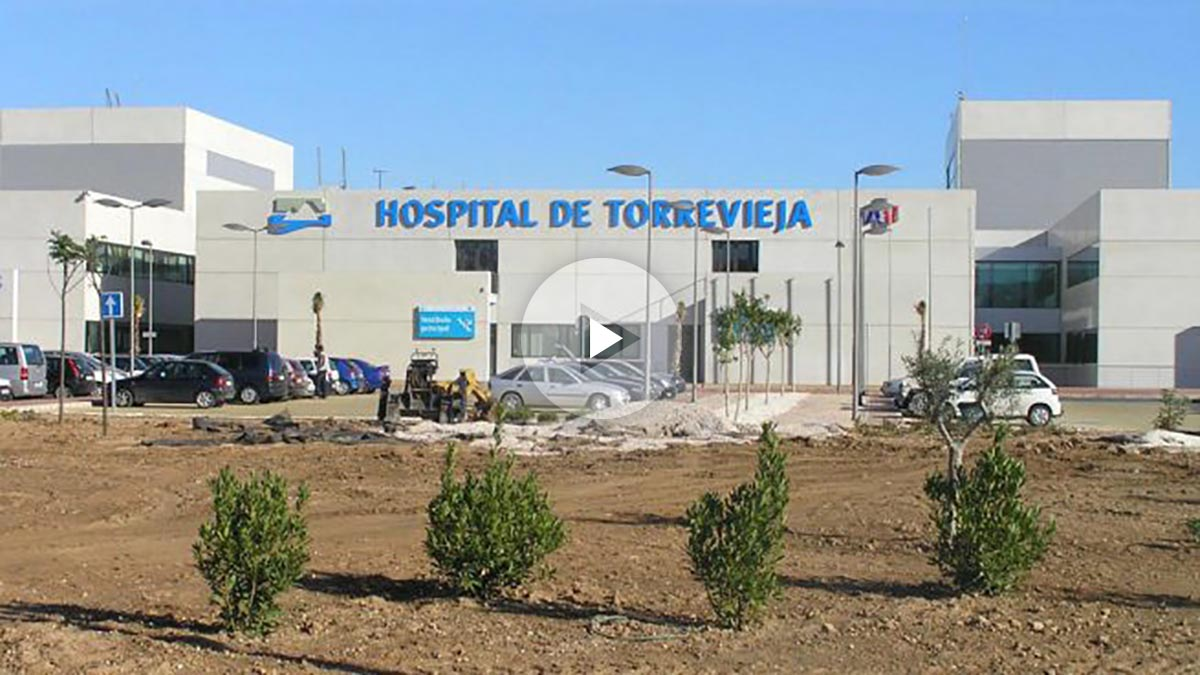 Fachada del Hospital de Torrevieja, donde la madre asesinó a su bebé.