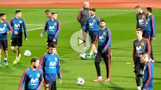 Gerard Piqué, entrenando con la selección española en Las Rozas. (Foto: Enrique Falcón)