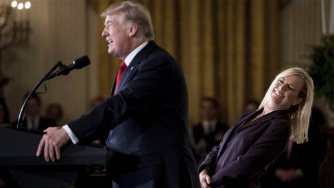 Donald Trump y Kirtjen Nielsen (Foto: AFP)