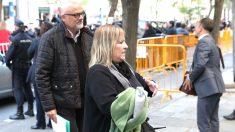 Lluís Corominas y Ramona Barrufet a su llegada al Tribunal Supremo (Foto: Efe).