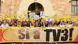Manifestación de ACPV en favor de TV3