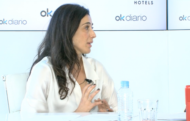 Cristina López Barrio, Premio Planeta 2017, en el plató del maratón de entrevistas '35 horas de Palabras'.