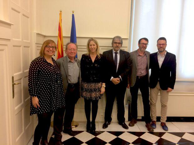 El Govern catalán riega con 16 millones al pancatalanismo valenciano, el hermano de Ximo Puig incluido