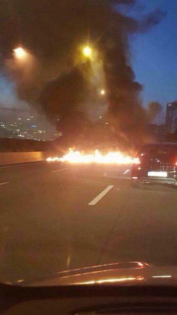 Los radicales cortan una carretera con fuego el 8-N