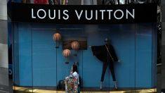Una de las tiendas de Louis Vuitton en Francia, una de las principales marcas del grupo LVMH. (Foto. Getty)