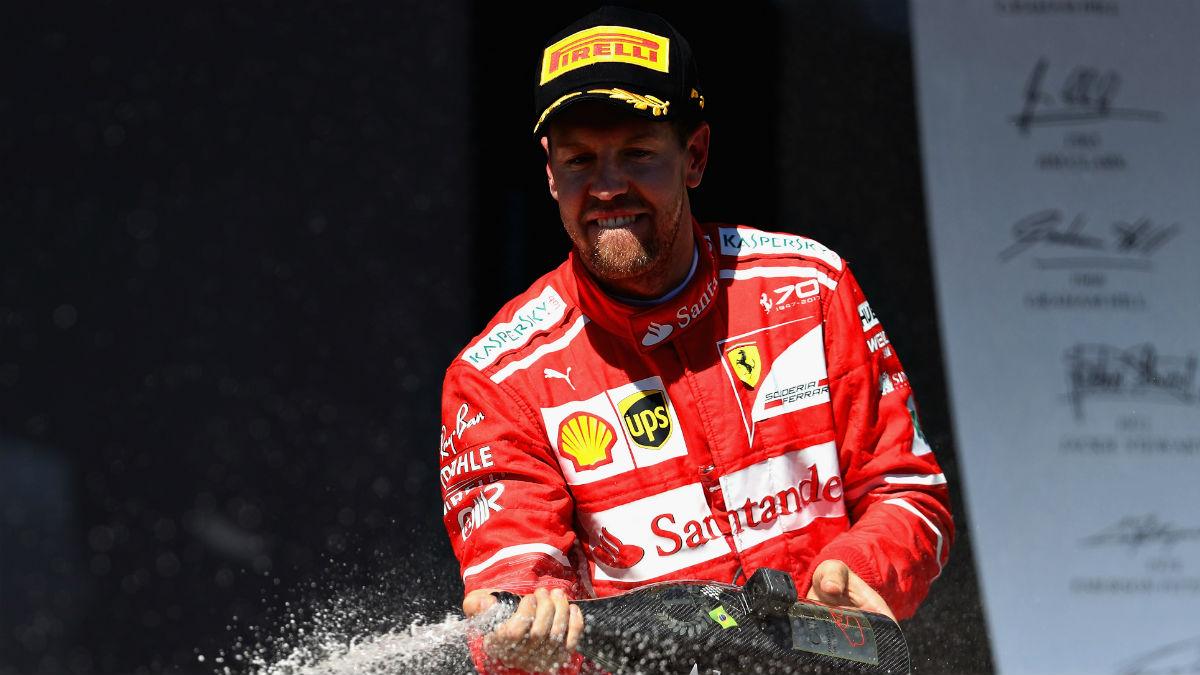Vettel celebra la victoria en Brasil. (Getty)