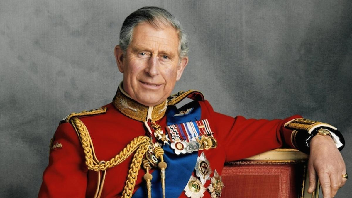 El príncipe Carlos es el siguiente en la línea de sucesión a la corona británica.