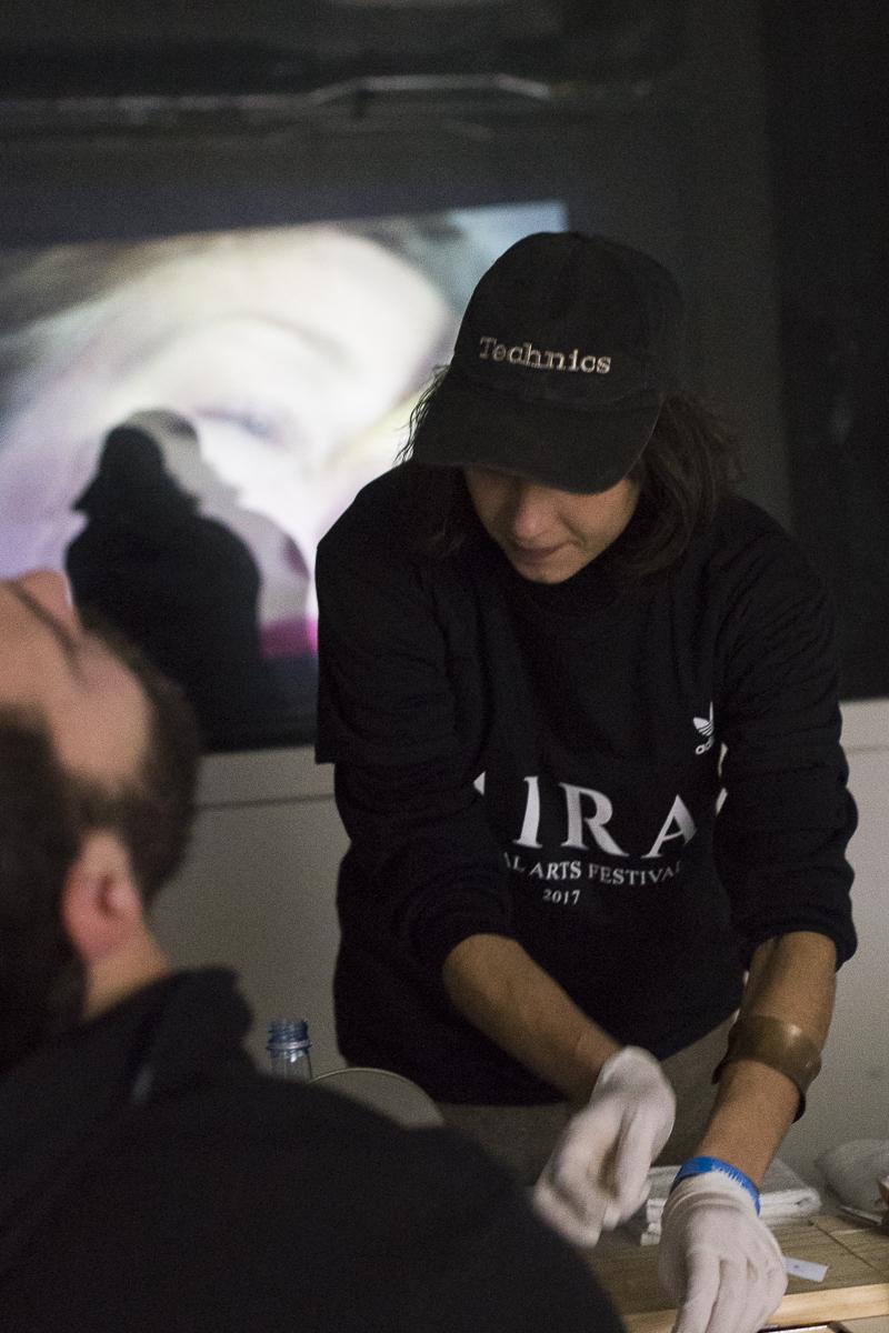 Taller de cristalizacion de lágrimas en el Festival MIRA 2017. Foto: Patricia Nieto Madroñero