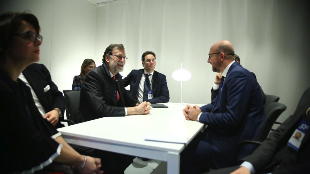 Mariano Rajoy y su homólogo belga, Charles Michel, reunidos en Gotemburgo (Suecia).