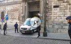 Carles Puigdemont saliendo del juzgado belga. Foto: OKDIARIO