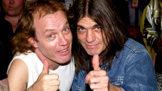 Angus y Malcolm Young. (Foto: Getty)