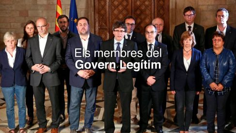 """La foto de Carles Puigdemont y sus consellers que difunde en la web del """"Govern legítim"""" de la Generalitat."""