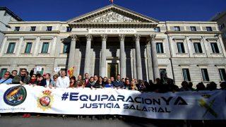 Manifestación de policías y guardia civiles en Madrid (Foto: Efe).